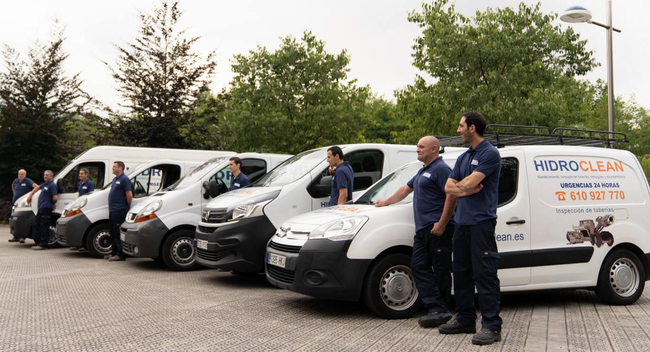 Flota de vehículos de Hidroclean para desatascos y limpieza de redes de saneamiento